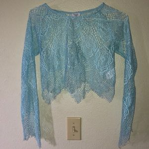 Lace long sleeved crop top